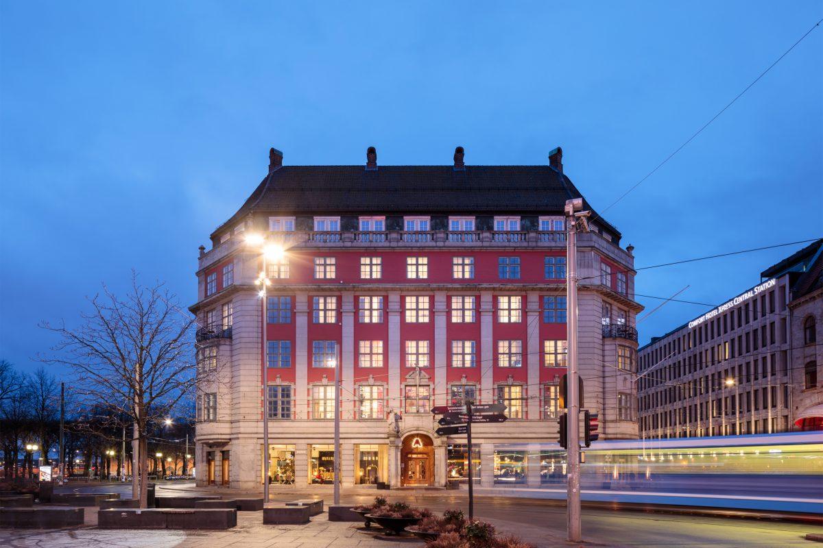 Osloon avattu Amerikalinjen on suomalaisen hotellisuunnittelun taidonnäyte